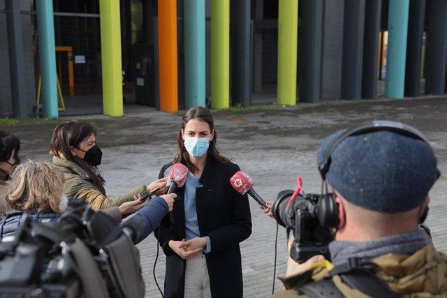La portavoz de Más Madrid en el Ayuntamiento, Rita Maestre, se dirige a los medios tras presentar una propuesta de ampliación de BiciMAD
