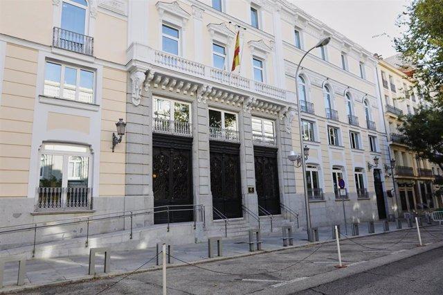 Archivo - Fachada del edificio del Consejo General del Poder Judicial (CGPJ), en Madrid (España) a 18 de octubre de 2020. El Gobierno de coalición del PSOE y Podemos ha planteado esta semana una reforma para cambiar el sistema de elección de este órgano y