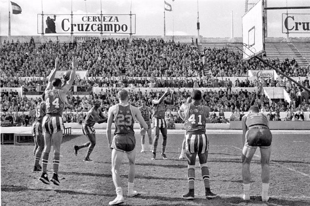 Los Harlem Globertrotters jugaron en el actual Villamarín de Sevilla en 1960.