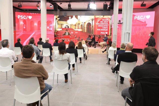 Primera reunión del grupo parlamentario socialista tras las elecciones del 14F, presidida por Salvador Illa.