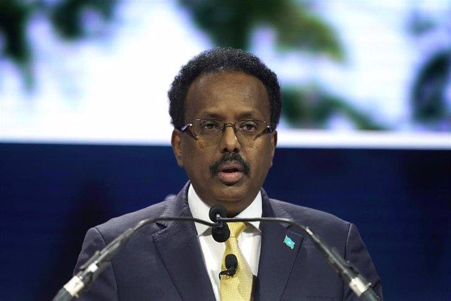Archivo - El presidente de Somalia, Mohamed Abdullahi Mohamed  'Farmajo'