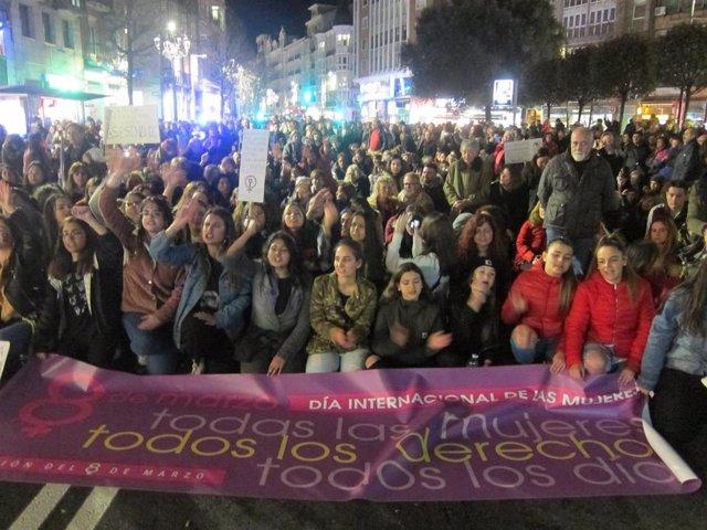 Archivo - Manifestación del 8M en Santander
