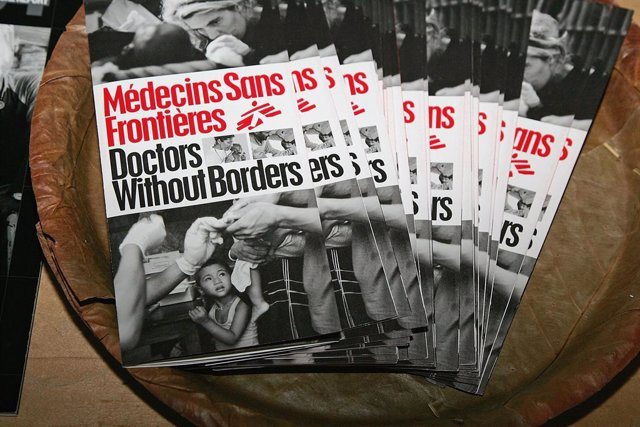 Archivo - Panfletos de Médicos Sin Fronteras (MSF) en un acto en Venice, California (EEUU)