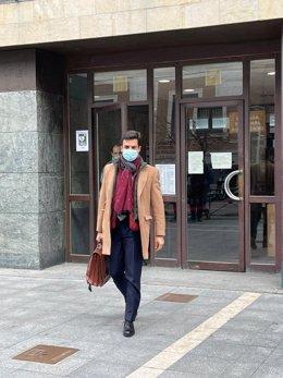 El abogado Juan Gonzalo Ospina, representante de la sobrina de la anciana, a su salida de las declaraciones en sede judicial.