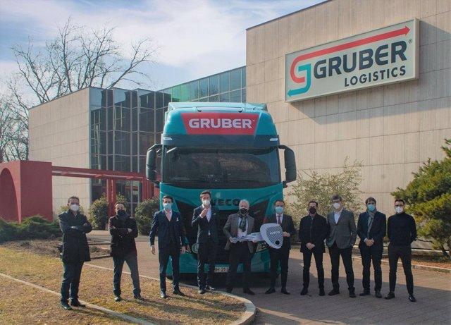 IVECO suministrará a la empresa italiana Gruber Logistics una flota de camiones IVECO S-Way para un transporte sostenible
