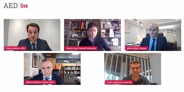 Los participantes de la mesa redonda organizada por la Asociación Española de Directivos (AED).