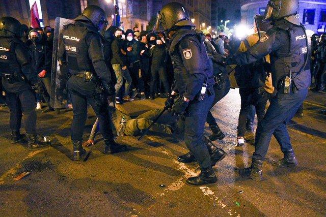 Protesta en apoyo a Pabo Hasél en València