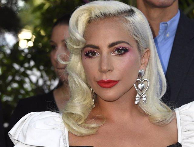 Secuestran a los perros de Lady Gaga y la artista ofrece medio millón de dólares para recuperarlos
