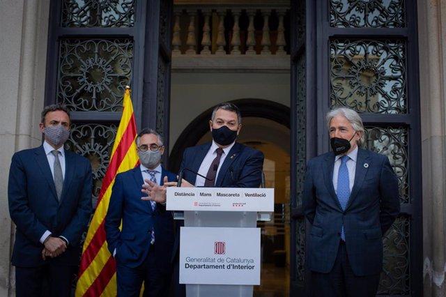 El conseller de Interior, M.Sàmper, el conseller de Empresa, R.Tremosa, y el pte. Foment del Treball, J.Sànchez Llibre