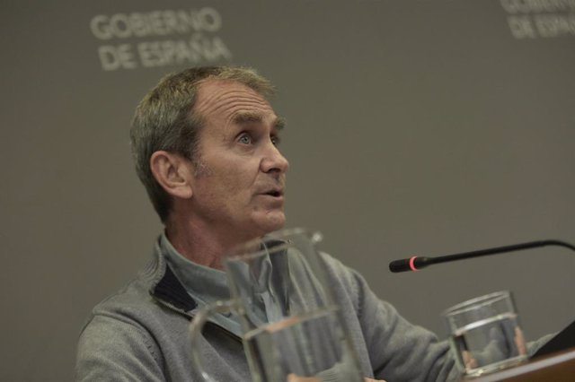 El director del Centro de Coordinación de Alertas y Emergencias Sanitarias (CCAES), Fernando Simón, durante una rueda de prensa para informar sobre el seguimiento de la pandemia por COVID-19, en Madrid (España), a 25 de febrero de 2021.
