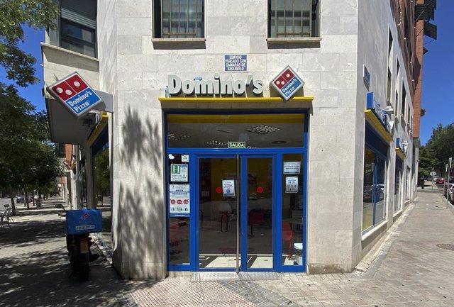 Archivo - Un establecimiento de Domino's Pizza en Madrid, a 17 de julio de 2020. La cadena de comida rápida registró un beneficio neto de 118,7 millones de dólares (103,9 millones de euros) en su segundo trimestre fiscal, finalizado a mediados de junio, l