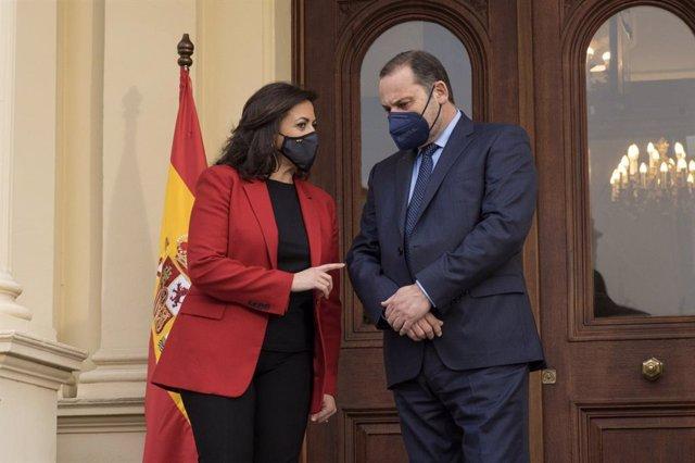 La presidenta del Gobierno de La Rioja, Concha Andreu, recibe al ministro José Luis Ábalos