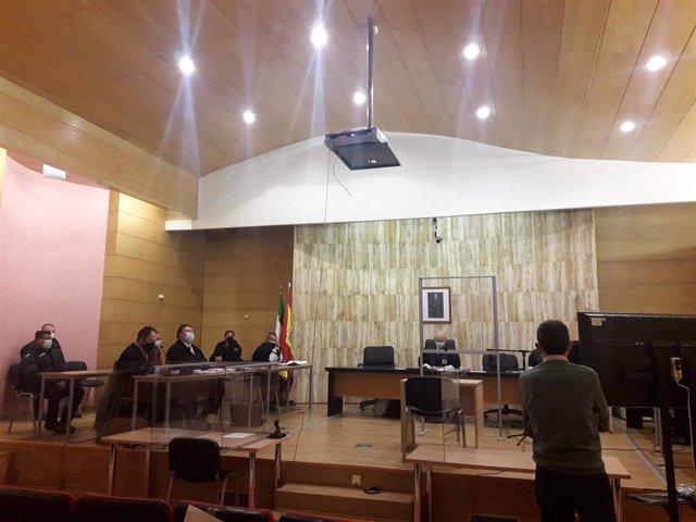 Primera sesión del juicio contra los dos acusados en la Caleta