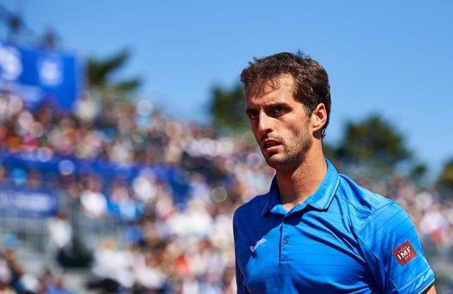 Archivo - El tenista español Albert Ramos durante un partido