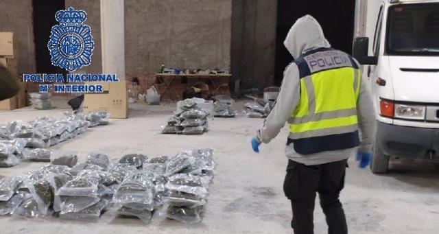"""Nota De Prensa Foto+Video """" La Policía Nacional Frustra El Envío De 239 Kilogramos De Marihuana Y 60 De Hachís A Italia """""""