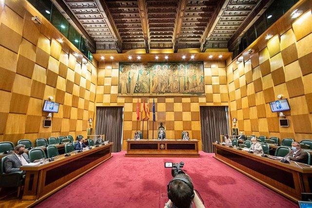 Archivo - Pleno del Ayuntamiento de Zaragoza