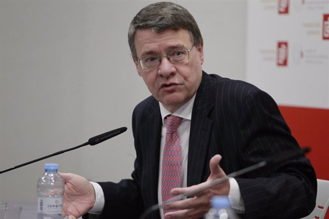 Archivo - Jordi Sevilla, 'senior advisor' de Contexto Económico en LLYC.