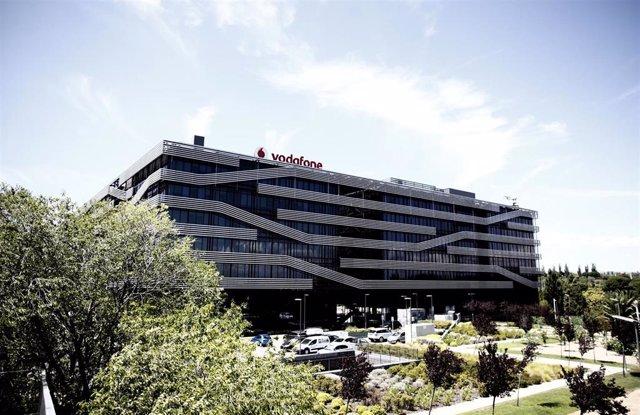 Archivo - Sede de Vodafone en Madrid