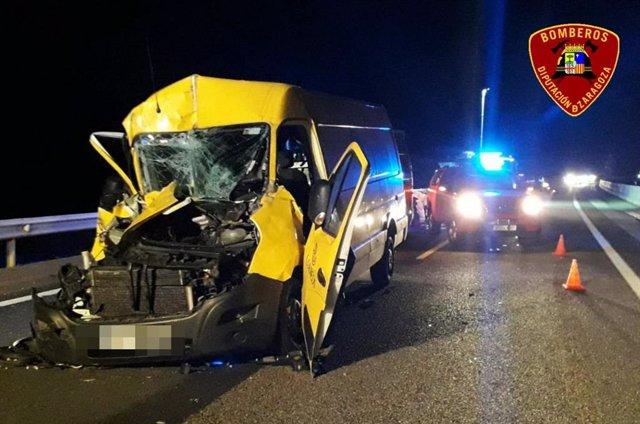 Herida la conductora de furgoneta tras chocar contra un camión en la N-II, en el puerto de la Perdiz.