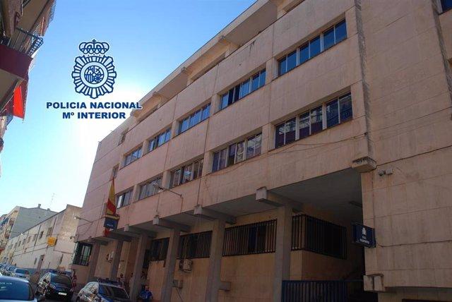 Archivo - Comisaría de la Policía Nacional de Linares donde prestaban servicios los dos policías detenidos