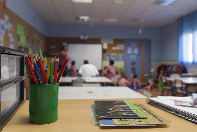 Archivo - Colegio, aula, primaria, infantil, clase, niño, niña, niños, jugando, jugar, juegos, profesor, profesora, profesores