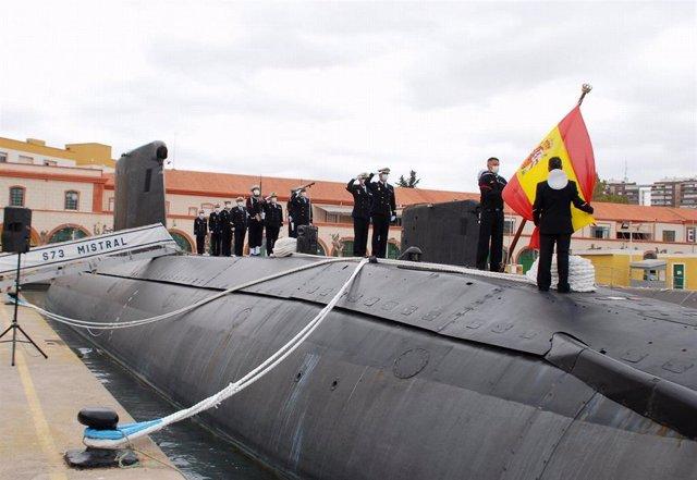 Último arriado de bandera en el submarino 'Mistral'