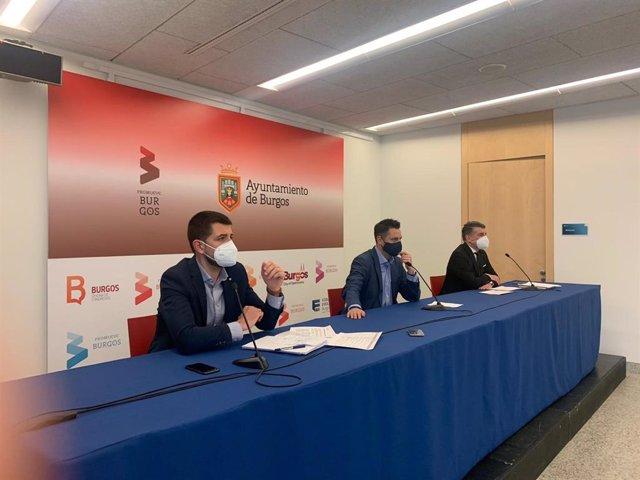 David Jurado, concejal de Hacienda, Daniel de la Rosa, alcalde de Burgos, y Vicente Marañón, vicealcalde de Burgos.        Zona de los archivos adjuntos GRACIAS!OK.MUCHAS GRACIAS.
