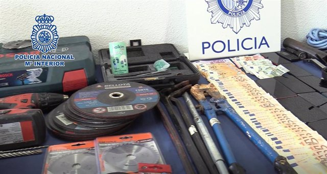Desmantelan una banda que robó en una tienda de lujo, una fábrica de calzado de Elche y en una casa de Madrid
