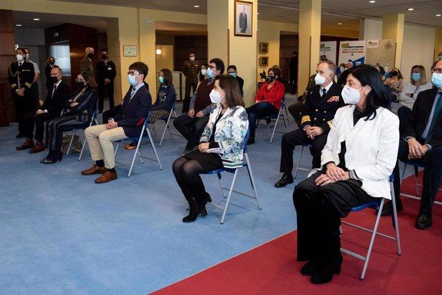 La ministra de Defensa, Margarita Robles, en la entrega del premio 'Carta a un militar español'