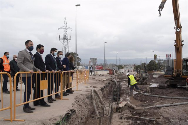 El presidente de la Región de Murcia visita a las obras de construcción del paso inferior de la autovía Lorca-Águilas  y renovación urbana del barrio de San Antonio de Lorca