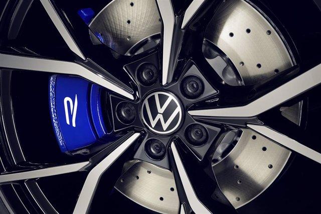 Archivo - Logo de Volkswagen.