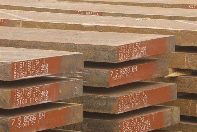 Archivo - Descarga de perfiles de acero en Asturias