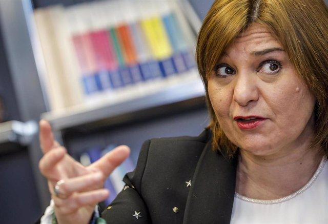 Archivo - La presidenta del PP de la Comunidad Valenciana, Isabel Bonig, responde durante una entrevista concedida a Europa Press, en Valencia, Comunidad Valenciana, (España), a 14 de enero de 2021.