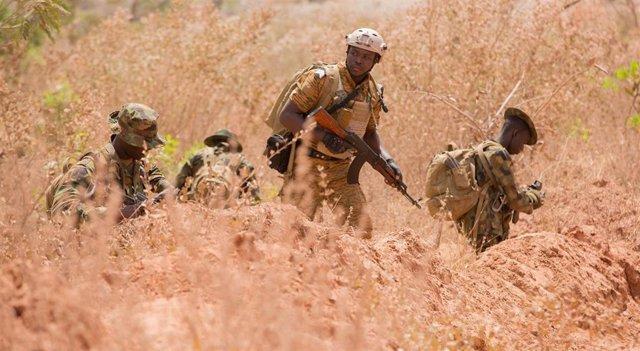 Camerún.- HRW acusa a las fuerzas de Camerún de violar los DDHH al matar a nueve civiles en una operación militar