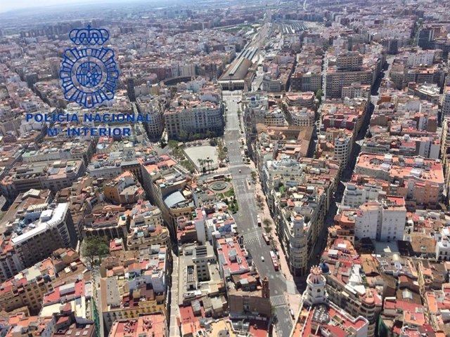 Archivo - La Policía Nacional detiene a 211 personas y sanciona a  19.087 en la Comunitat Valenciana