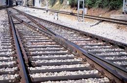 Archivo - Imagen de recurso de vías de trenes