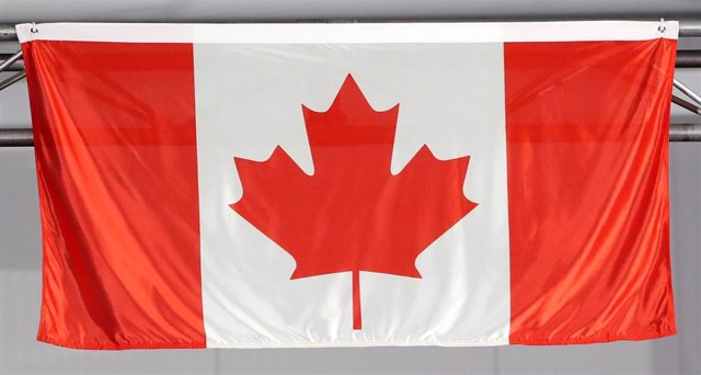 Archivo - FILED - 11 April 2018, Australia, Gold Coast: A general view of the flag of Canada.  Canada became the first nation to say it would not take part in the Tokyo Olympics if the Games run as scheduled from July 24 to August 9. The Paralympic Games
