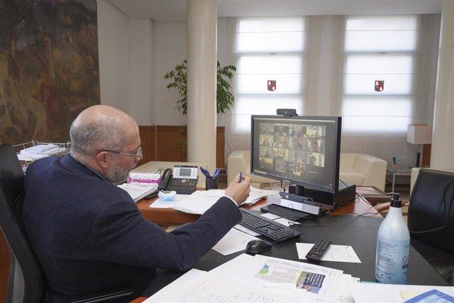 El vicepresidente de la Junta, Francisco Igea, en reunión telemática con los sectores afectados por las medidas restrictivas.