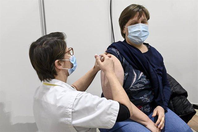 Vacunación contra la COVID-19 en Beringen, Bélgica.