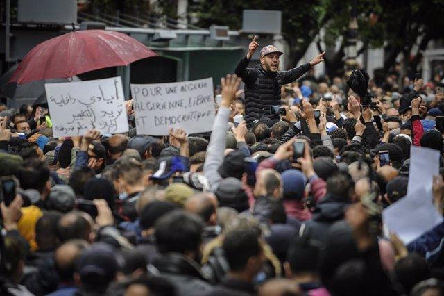 Manifestaciones prodemocráticas en Argelia
