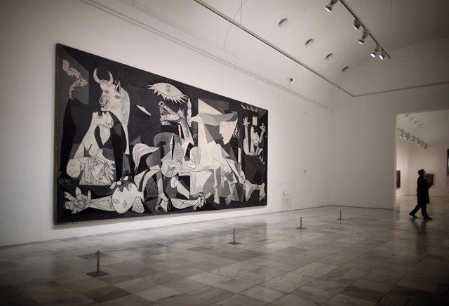 Archivo - Arxiu - Original del 'Guernica' de Pablo Picasso al Museu Reina Sofía de Madrid.