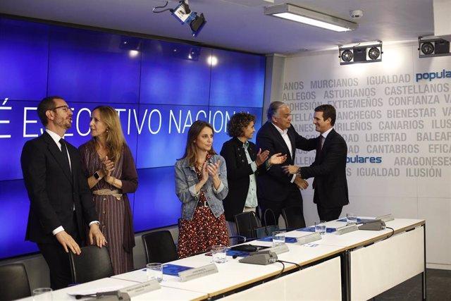 Archivo - El presidente del PP, Pablo Casado, con miembros del Comité Ejecutivo del PP.