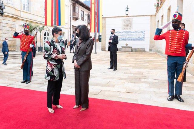 La ministra de Asuntos Exteriores, Arancha Gonzáles Laya, y la canciller de Colombia, Claudia Blum
