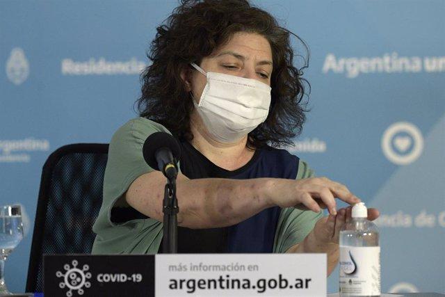 Archivo - Nueva ministra de salud argentina Carla Vizzotti