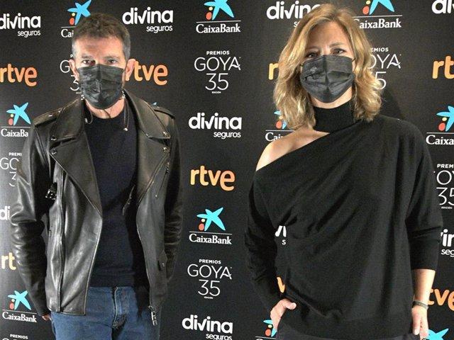 Antonio Banderas y María Casado, presentadores de la gala de los Goya