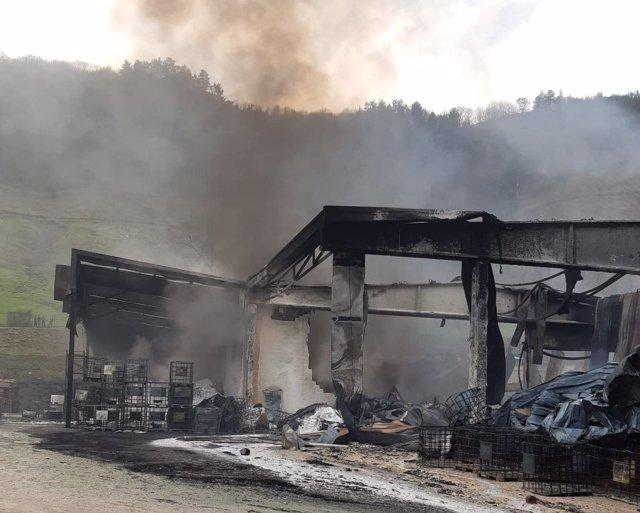 Empresa de Azpeitia (Gipuzkoa) afectada por el incendio