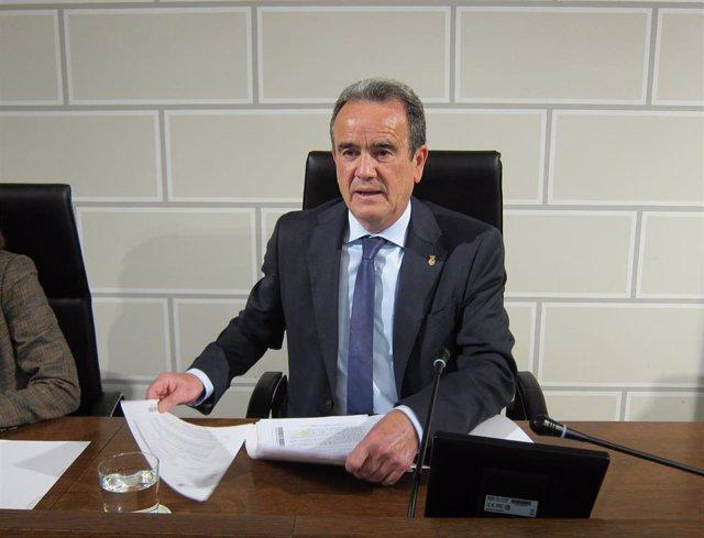 Archivo - El presidente de la Diputación de Zaragoza, Juan Antonio Sánchez Quero.