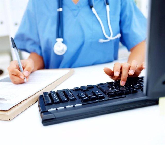 Archivo - La Agencia de Calidad Sanitaria evaluó en el último trimestre 79 convocatorias formativas de Covid-19 para casi 2.000 profesionales. (Foto de archivo).