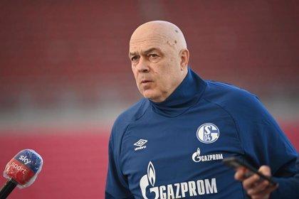 """El Schalke niega una """"revuelta"""" de sus jugadores contra el entrenador, Christian Gross"""