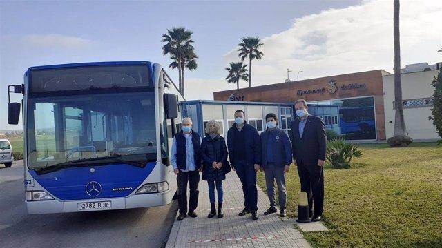 La EMT hace entrega de un bus a la Asociación de Amigos del Pueblo Saharaui.